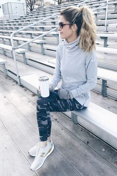 Affordable Athleisure – Where to Find the BEST Women's Fashion Sneakers for Less inexpensive winter workout outfit Athleisure Fashion, Athleisure Outfits, Sporty Outfits, Nike Outfits, Athletic Outfits, Fashion Outfits, Womens Fashion, Athletic Clothes, Athletic Fashion