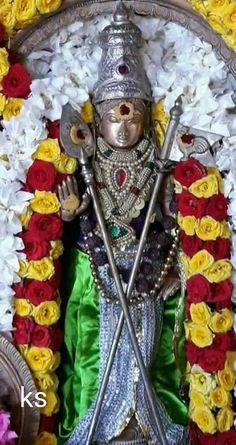 Lord Murugan Wallpapers, Lord Krishna Wallpapers, Indian Goddess, Goddess Lakshmi, Lord Shiva Hd Images, Lord Shiva Family, Shiva Statue, Pooja Room Design, Hindu Mantras