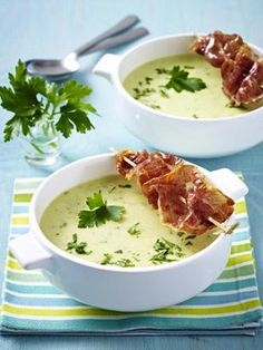 Das Rezept für Kartoffelcreme-Suppe mit gebratenem Parmaschinken und weitere kostenlose Rezepte auf LECKER.de
