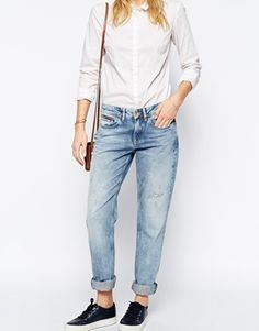 the best casual look - tailored buttondown and boyfriend jeans