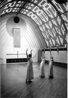 "Haus Atlantis, Bremen, GermanyHistoric photo from boettcherstrasse.de Another historic photo: Dance performance in the ""Sky Room,"" around 1932."