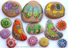 Éléphant en pierre de peintes à la main par ISassiDellAdriatico