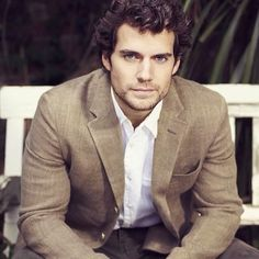 Henry Cavill News: First Look At Henry As Stratton, Begins Filming June 2nd in Italy
