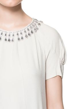 TOP WITH APPLIQUÉ COLLAR from Zara