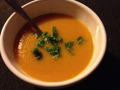 Soupe de potimarron par Benkku81 Ethnic Recipes, Food, Poultry, Hot Appetizers, Kitchens, Recipe, Eten, Meals, Diet
