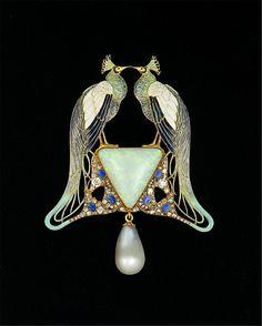 Peacock Pendant - Gold, enamel, opal, pearl, diamonds, ca. 1901