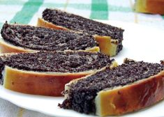 rulada-cu-mac Sweets Recipes, Just Desserts, Baking Recipes, Cookie Recipes, Romanian Desserts, Romanian Food, Artisan Food, Different Cakes, Sweet Cakes