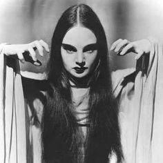 Carroll Borland, MARK OF THE VAMPIRE (Tod Browning, 1935)