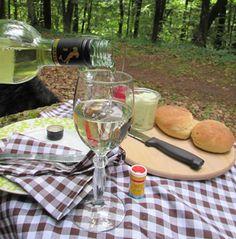Speisen mit Stil mitten im Wald