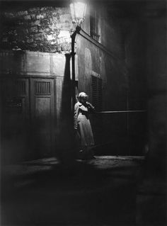A la Chapelle, Paris, Photo de Marcel Bovis Night Photography, Vintage Photography, Street Photography, Black White Photos, Black And White Photography, Marcel, Brassai, Old Paris, Vintage Paris