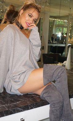 Khloe Kardashian: Necklace- Adornmonde Shoes – Gianvito Rossi