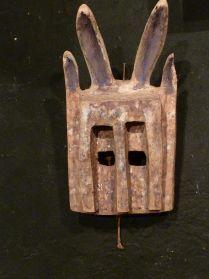 Dogon konijnenmasker Mali, te koop bij briekantiek.nl