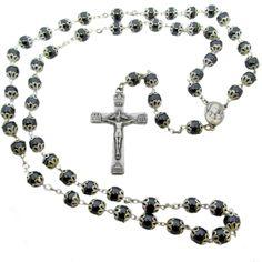 cf0de707972 Otra joya de nuestros artesanos de Tierra Santa. Un rosario con cuentas de  hematites y