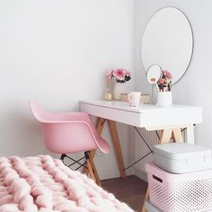 to boho bedroom decor decor ideas 2019 decor cheap ideas decor gold bedroom decor decor boho decor sets decor xmas Built In Dressing Table, Dressing Table Organisation, Corner Dressing Table, Dressing Tables, Storage Chair, Office Storage, Dream Rooms, Interior Design Living Room, Bedroom Decor