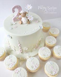 Cute sheep garden birthday cake and cupcakes Wedding Cake Designs, Wedding Cakes, Garden Birthday Cake, Luxury Cake, Cute Sheep, Sugar Cake, Dream Cake, Cupcake Cakes, Cupcakes