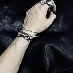 Hand boy fetish t Slytherin aesthetic Hand Veins, Jace Lightwood, Daddy Aesthetic, Pink Aesthetic, Ulzzang Boy, Human Body, At Least, Mens Fashion, Jewelry