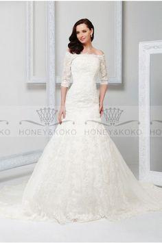 Plain Off-the-shoulder Trumpet/Mermaid Button Court Train Half-Sleeve Lace Wedding Dresses