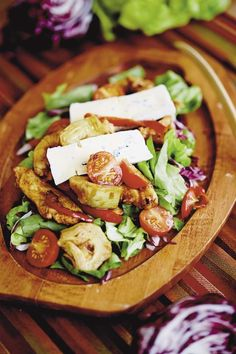 Quebec, Cobb Salad, Food, Cherry Tomatoes, Salads, Chicken, Recipe, Lettuce Leaves, Quebec City