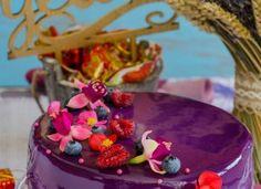 Tort entremet cu afine si zmeura Birthday Cake, Desserts, Food, Tailgate Desserts, Birthday Cakes, Deserts, Eten, Postres, Dessert