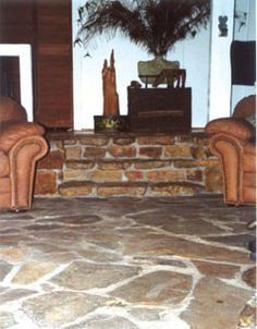 Install a Rock Floor Inside Your Home - Extreme How To Diy Flooring, Stone Flooring, Kitchen Flooring, Cabin Kitchens, Cool Kitchens, Rustic Kitchens, Stone Kitchen Floor, Kitchen Island Makeover, Rock Floor