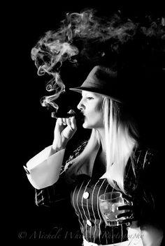 (Women Smoke Cigar   CIGAR&FASHION CLUP gönderdi)
