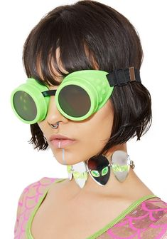 Greetings Earthlings Goggles but u don't alwayz come in peace. Ur an extraterrestrial dream in these dope af slime green goggles that stay in place with adjustable straps.