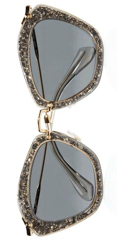 These glasses would look amazing with the bling in our swallowtail collection!