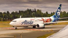 """Alaska Airlines announced a new """"West Coast International Alliance"""" today with American Airlines, an alliance that will bring with it a few solid advantages for customers. Royal Jordanian, First Class Tickets, Cathay Pacific, Alaska Airlines, Cargo Airlines, Framed Tv, New West, Airline Flights, Commercial Aircraft"""