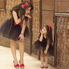 mother and daughter dressing 18