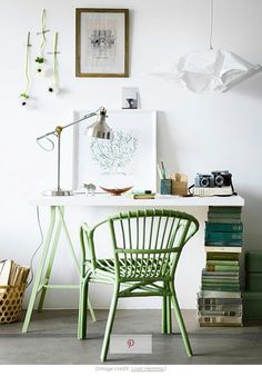 Hit those #homeoffice #goals with these desks that you can create in a matter of minutes!