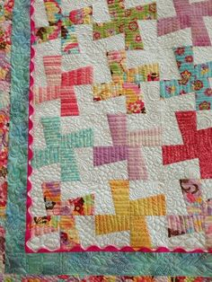 Beautiful baby quilt by Marylin Angeloff on 24 Blocks
