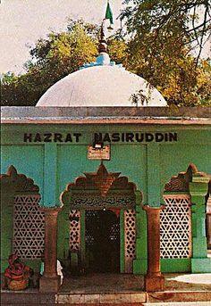 . Hazrat NasirudDin Mahmud. Entitled Raushan Chiragh-i-Dihli :