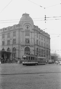V 09 nr. Bucharest, Socialism, Vintage Photos, 18th, Louvre, Memories, Building, Travel, Profile