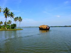 Check out Godwin Holidays to browse through a wide range of customized Kerala tour packages at affordable rates. Call us on 9995218935 to book now and explore top tourist places in Kerala with exclusive Kerala tour packages. House Boat Kerala, National Geographic Traveler Magazine, Kerala Backwaters, Mangrove Forest, Tourist Sites, India Tour, Natural Scenery, Nature Images, Places Around The World