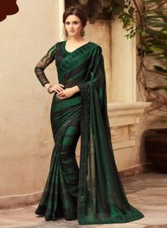 This designer saree is simple yet classy and something different. Jade Green saree with contrast velvet fully embroidered ready blouse.Blouse size 10 which can easily be let out to up to size for a saree? Black Saree, Green Saree, Indian Dresses, Indian Outfits, Indische Sarees, Party Wear Sarees Online, Party Kleidung, Trendy Sarees, Designer Sarees Online