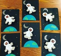 Raumfahrt-Astronauten-Handwerk «funnycrafts Vorschule Kindergarten Ideen By seeing this picture, you can get some information about Vorschule Kin… recover deleted photos android 2020 Space Crafts Preschool, Kids Crafts, Space Activities For Kids, Planets Preschool, Preschool Kindergarten, Art Crafts, Jewelry Crafts, Space Theme Classroom, Science Classroom