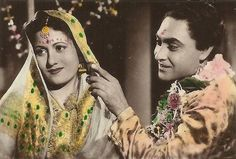 With a tradition lasting over a hundred years, Hindi cinema has seen countless highs and lows. Birthday Cake Gif, Ashok Kumar, Asian Photography, Bollywood Pictures, Vintage Vignettes, Vintage Bee, Vintage Bollywood, Golden Star, Beautiful Bollywood Actress