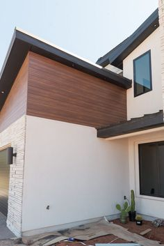 Metal Siding That Looks Like Real Wood! Metal Siding That Looks Like Real Wood! Wood Siding House, Steel Siding, House Paint Exterior, Concrete Siding, Metal Building Homes, Building A House, Modern Exterior, Exterior Design, Exterior Siding Options