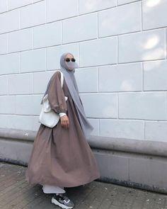 Niqab Fashion, Street Hijab Fashion, Modesty Fashion, Muslim Fashion, Fashion Outfits, Womens Fashion, Hijab Style Dress, Hijab Outfit, Muslimah Clothing