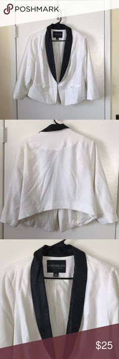 8b8abfa8 CROPPED WHITE TUXEDO LIKE BLAZER THIS BLAZER HAS 3 QUARTER LENGTH SLEEVES  AND FAUX LEATHER TRIM. HAS HOOK CLOSURE IN THE FRONT Forever 21 Jackets &  Coats ...