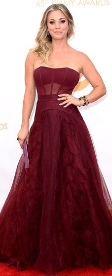 Kaley Cuoco wore a Vera Wang corseted ballgown, Aldo heels, a Jimmy Choo clutch, and Neil Lane jewelry at the 2013 Emmys.