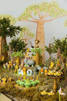 festa de aniversario de crianca Safari Party, Jungle Safari, Toddler Activities, Event Design, Birthdays, Table Settings, Table Decorations, Crafts, Babyshower
