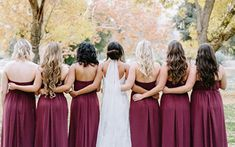 Here are 12 stunning ways to sink your teeth into these deliciously juicy berry wedding decor ideas on your colorful Autumn day. Post Wedding, Fall Wedding, Dream Wedding, Wedding Things, Bridesmaid Poses, Bridesmaid Dresses, Wedding Dresses, Bridesmaids, Berry Wedding
