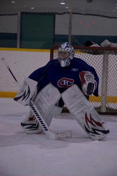 look at this pose... no goals goin in on this mypuck goalie.