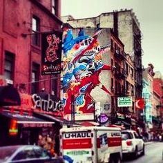 Urban art of freedom in #NYC #travel #visitUSA #USA #picoftheday #travelling #art