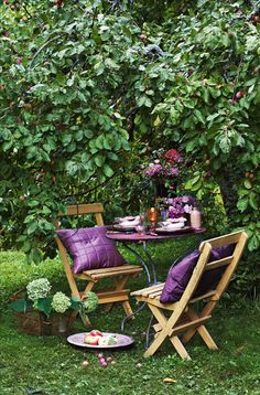 🌱a mad tea party with alis: July 2008 Outdoor Dining, Outdoor Spaces, Outdoor Decor, Porches, Purple Garden, Outdoor Retreat, Romantic Dinners, Al Fresco Dining, Decoration