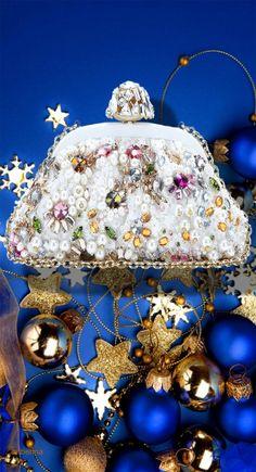 Dolce/ Gabbana Embellished Clutch ... I will take one Santa