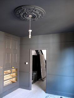 Best Exterior Paint Colors For House Gray Dark Farrow Ball Ideas Best Exterior Paint, Exterior Paint Colors For House, Paint Colors For Home, Farrow Ball, Farrow And Ball Paint, Dark Interiors, Colorful Interiors, Dark Ceiling, Dark Walls