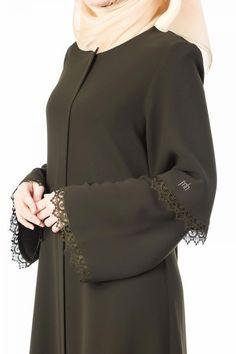 Çift Kol Dantelli Ferace DF-1134-09-Haki , #çift #dantelli #DF113409Haki #ferace #Kol Abaya Fashion, Muslim Fashion, Fashion Wear, Fashion Dresses, Burqa Designs, Abaya Designs, Remake Clothes, Mode Abaya, Iranian Women Fashion