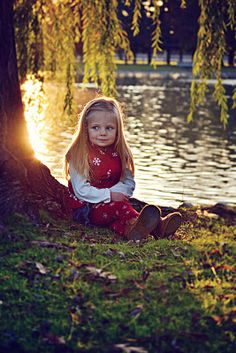 Loved the lighting in this one. And this little girl is just so precious! #photography #portrait #child